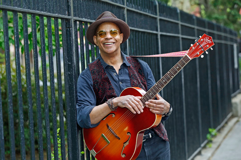 Guy Davis: Blues' Renaissance Man | Centrum