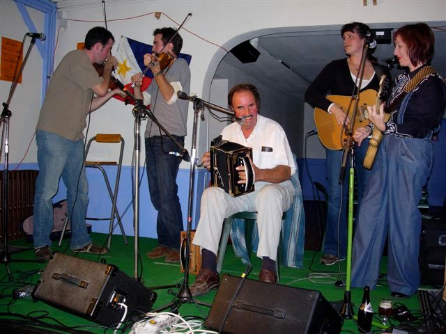 Jamming with French Cajun musicians-Ris Orangis